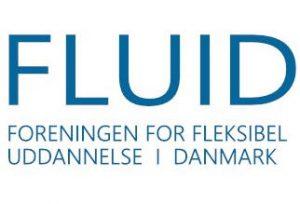 fluid-logo-blaa-paa-hvid-baggrund